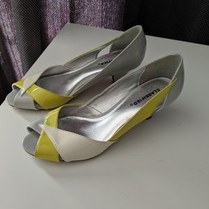 Low heel Classified faux patent leather shoes